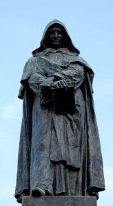 Estatua de Giordano Bruno, Campo de' Fiori, Rome (Fuente)
